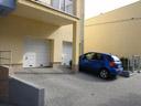 Bramy garażowe segmentowe EPU 40 z kratkami wentylacyjnymi, przetłoczenia M