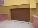 Brama garażowa SPU 40, przetłoczenia z kratkami wentylacyjnymi