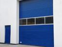Brama przemysłowa SPU 40 z przeszkleniem w ramie aluminiowej
